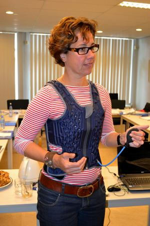 Infatable pressure vest  for people with sensory difficulies.